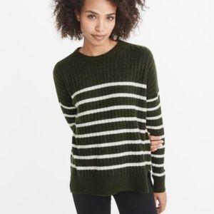 🍁BOGO 50%🍁 A&F Striped Crewneck Sweater